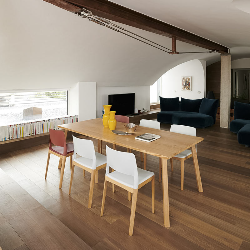 chaises-design-bois-assise-polymere-design-chr-settesusette-infiniti