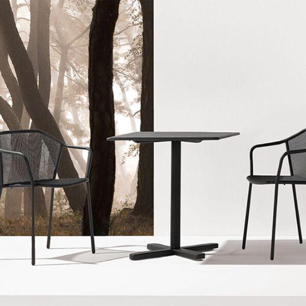 mobilier-hotellerie-haut-de-gamme-table-darwin-noire