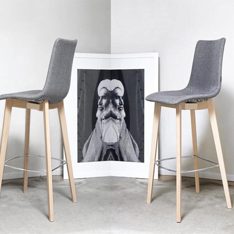 mobilier-hotellerie-restauration-chaise-haute-de-bar-tissu-bois-natural-zebra-pop-scab