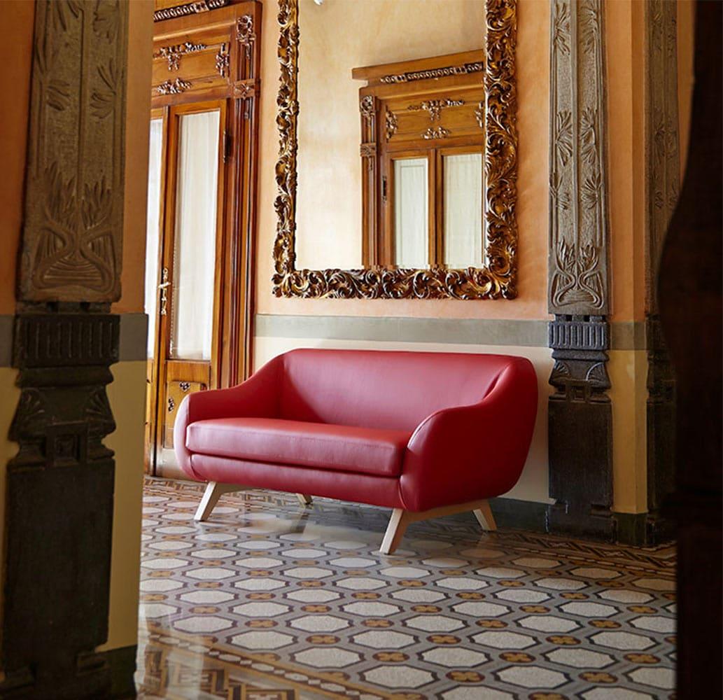 mobilier-special-hotel-divan-cuir-rouge-x-big-too-alma-design