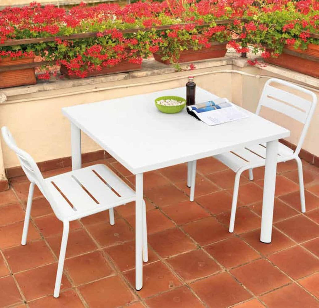 mobilier-urbain-chaises-metal-blanches-exterieur-empilables-star-emu
