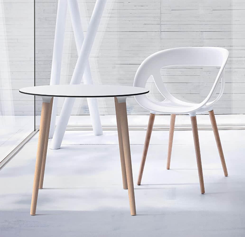 table-ronde-restaurant-blanche-pieds-bois-gaber-stefano