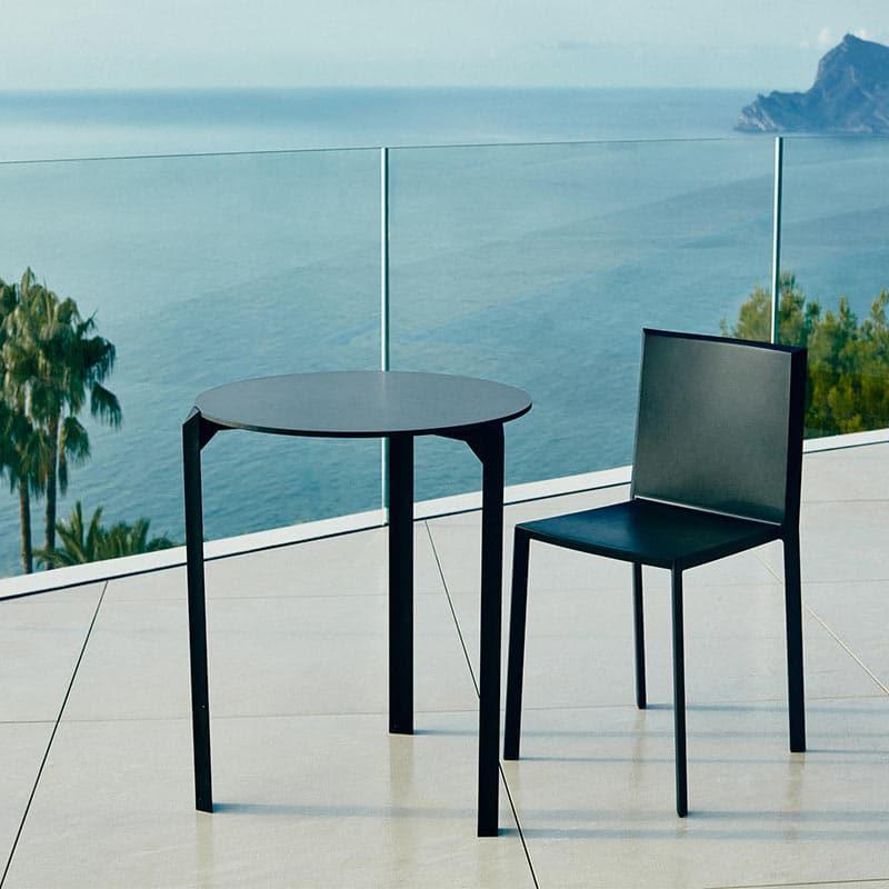 table-terrasse-hotel-bar-restaurant-ronde-noire-design-quartz-dinning-vondom