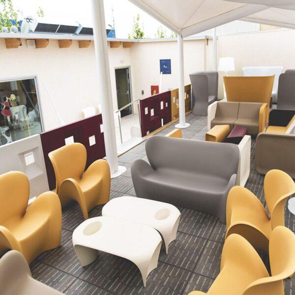 mobilier-evenementiel-sofa-plastique-design-lily-sofa-myyour