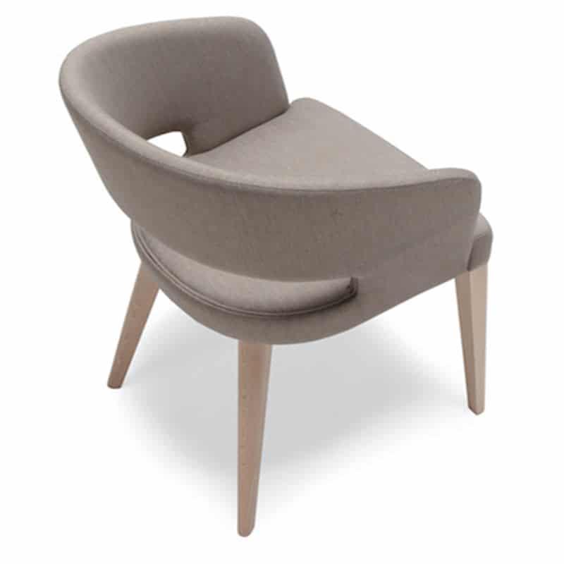 Mobilier haut de gamme hôtellerie restauration fauteuil tissu et bois RAY