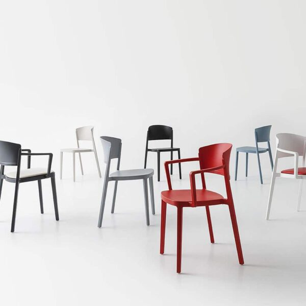 chaises-de-reunion-empilables-pas-cheres-abuela-gaber