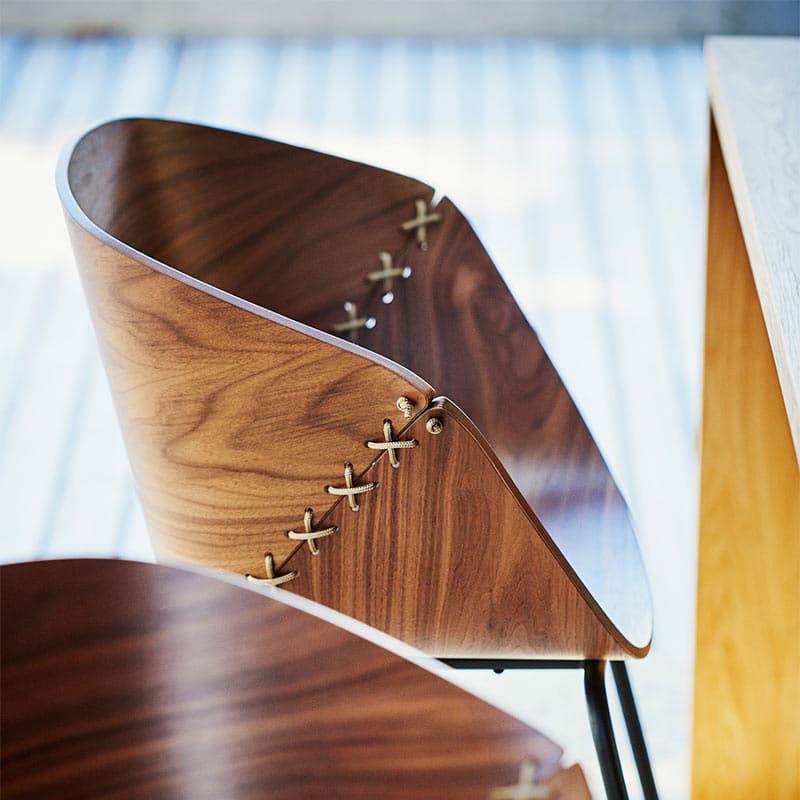 Mobilier hôtellerie luxe fauteuil bois design GOSSIP JANKURTZ
