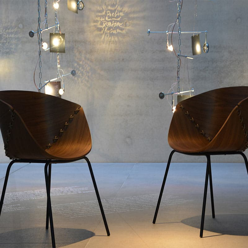 Mobilier haut de gamme entreprise fauteuil design bois GOSSIP JANKURTZ