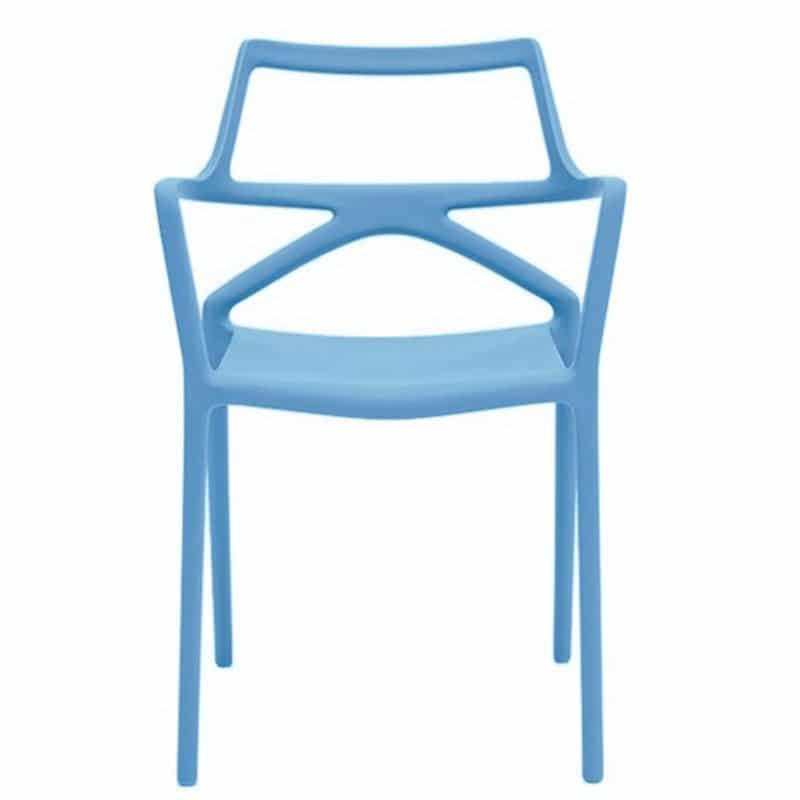 chaise-avec-accoudoirs-pour-terrasse-bar-restaurant-empilable-bleu-clair-delta-vondom