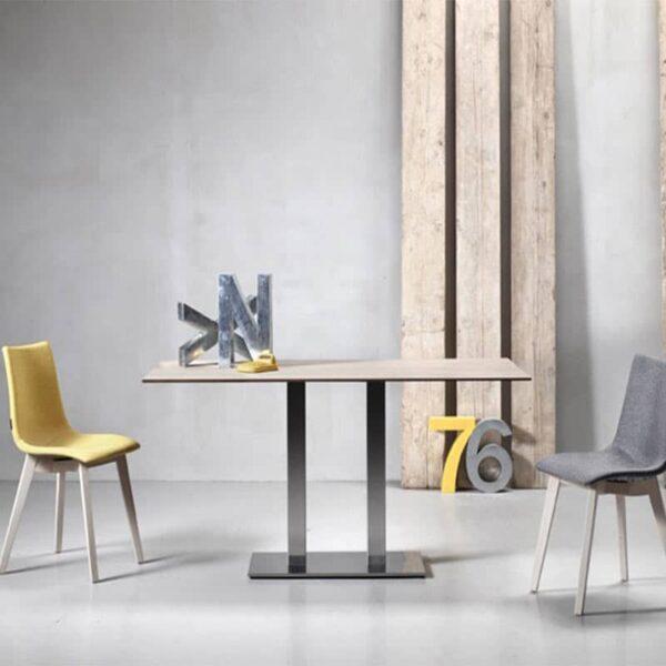 chaises-tissu-pied-bois-restauration-hotellerie-zebra-pop-scab