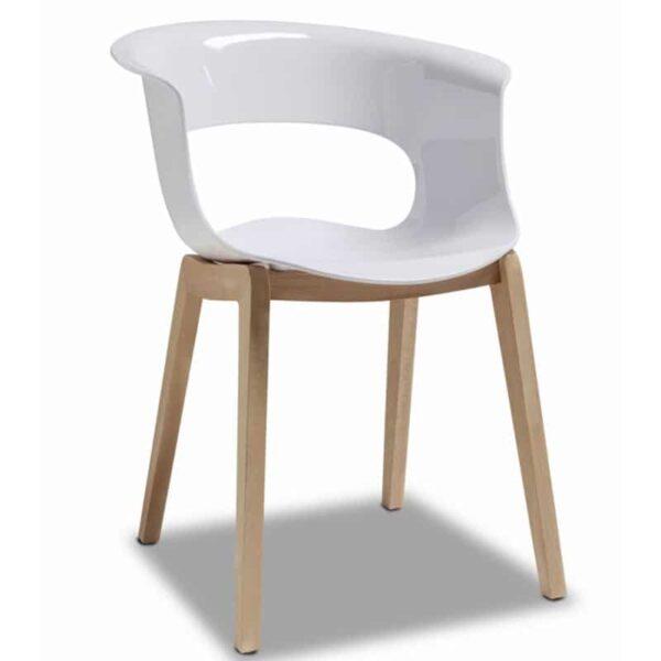 Fauteuil-restaurant-design-coque-blanche-pieds-bois-miss-b-scab