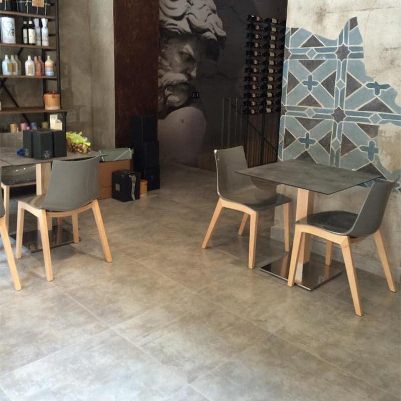 meubles-restauration-hotellerie-chaises-modernes-design-pieds-bois-natural-glossy-scab