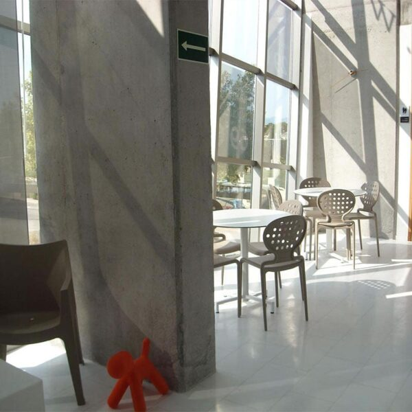 mobilier-accueil-professionnel-agencement-salle-d-attente-chaises-twik-scab