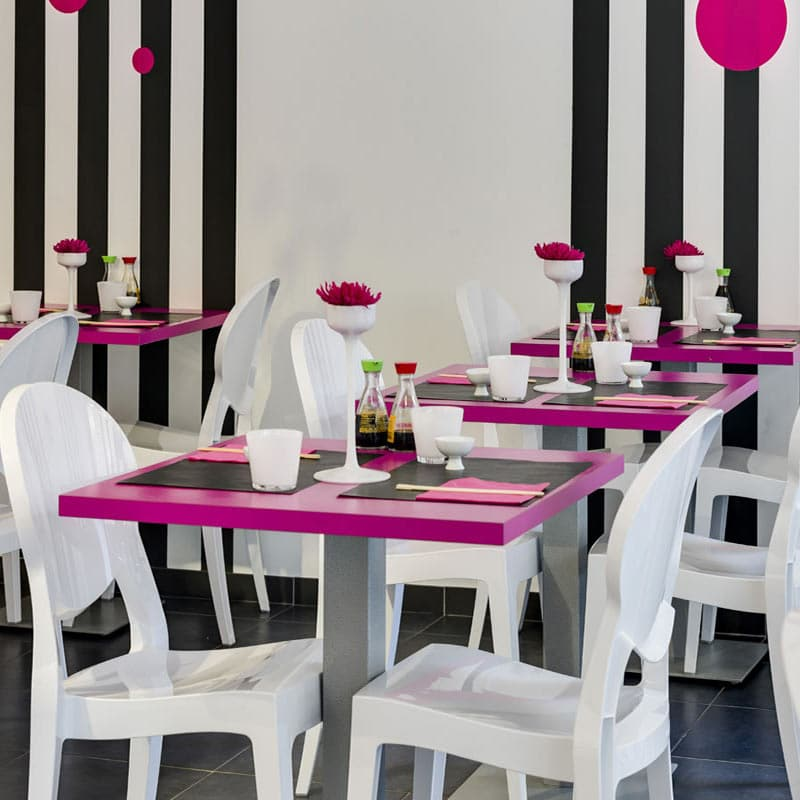 mobilier-chr-chaises-medaillon-blanches-empilables-design-igloo-scab