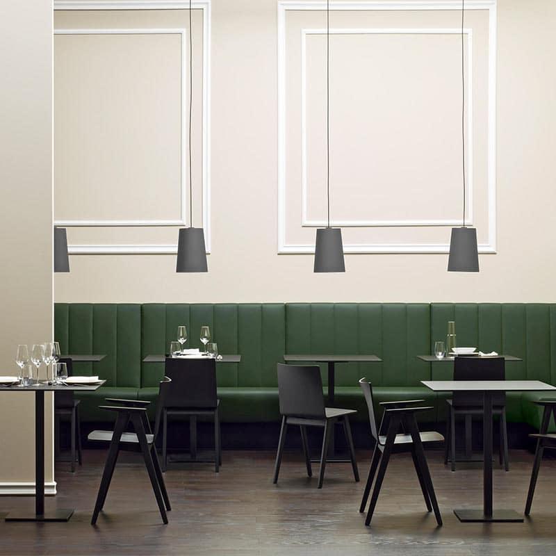 Mobilier restaurant haut de gamme chaises bois noir design MALMO 390 PEDRALI