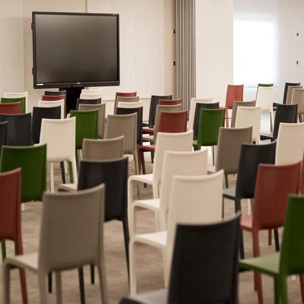 chaises reunion empilables design mobilier entreprises collectivité nassau metalmobil