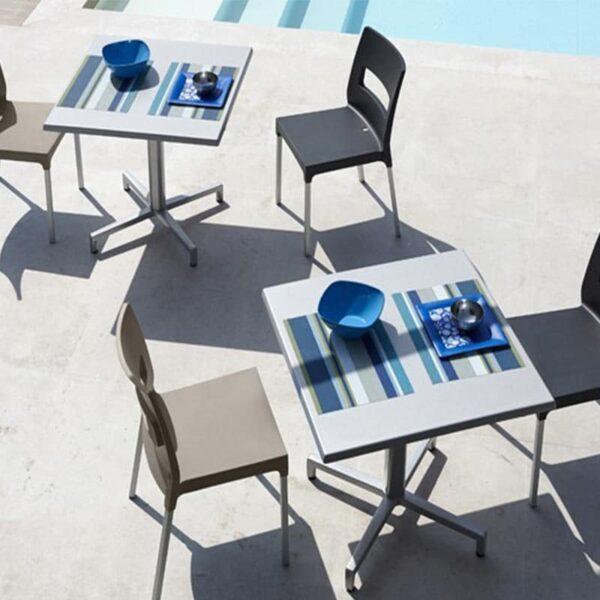 mobilier-terrasse-cafe-restaurant-tables-pliantes-domino-scab