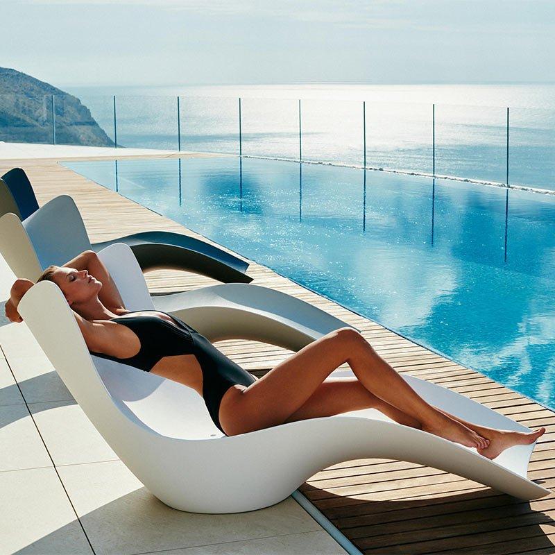 mobilier-terrasse-hotel-bain-soleil-design-surf-vondom