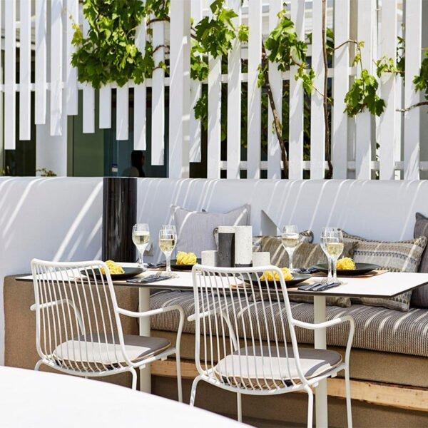 mobilier-terrasse-hotellerie-fauteuil-acier-blanc-empilable-design-nolita-pedrali