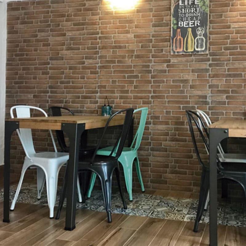 mobilier-vintage-restaurant-chaises-acier-tuly