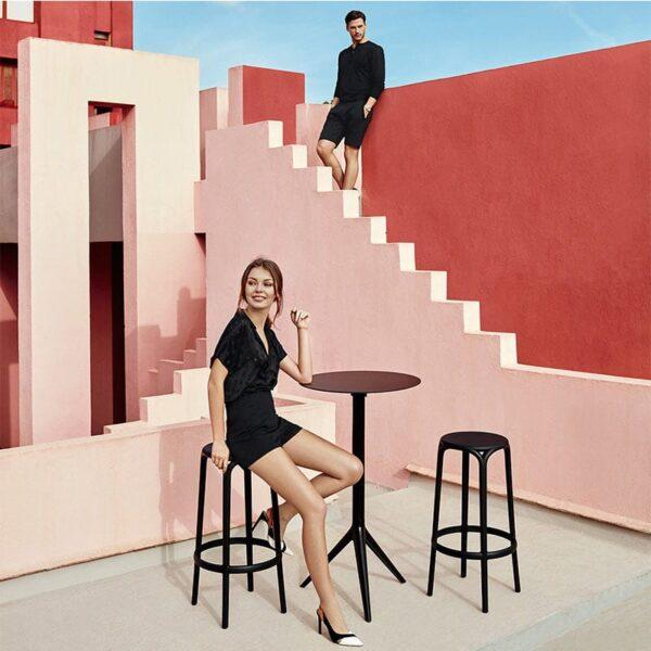 table-haute-design-noire-terrasse-pliante-mari-sol-vondom