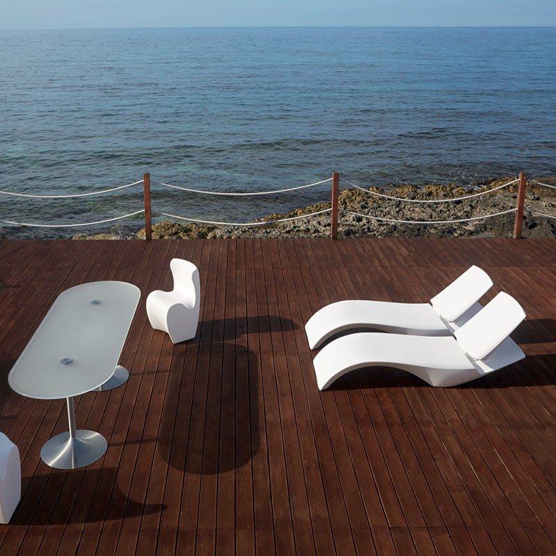 meubles-terrasse-hotel-bains-soleil-blancs-modernes-plastique-zoe-myyour