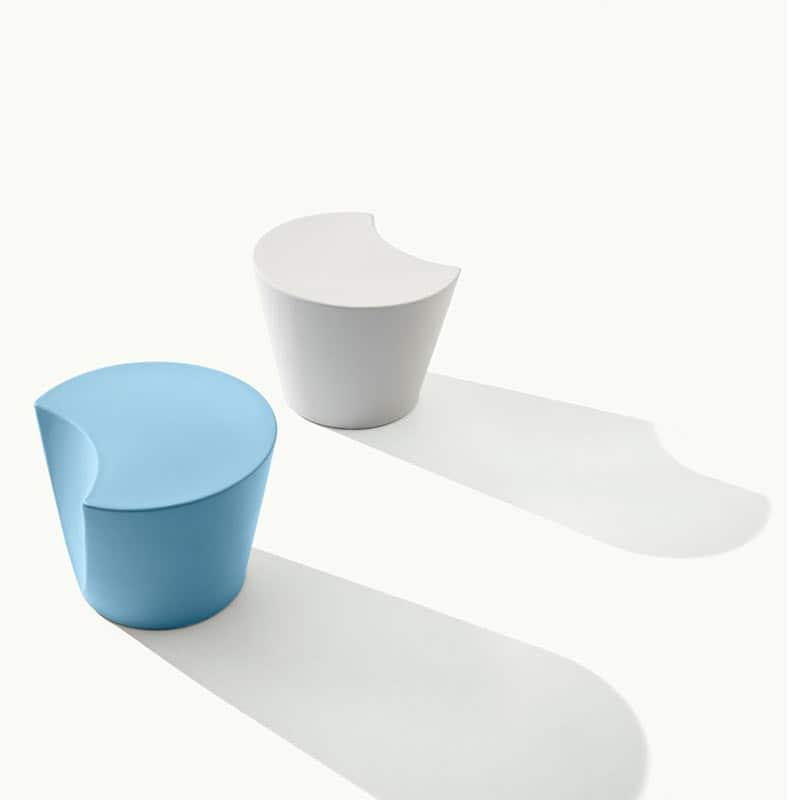mobilier-accueil-poufs-ronds-plastique-design-apple-metalmobil