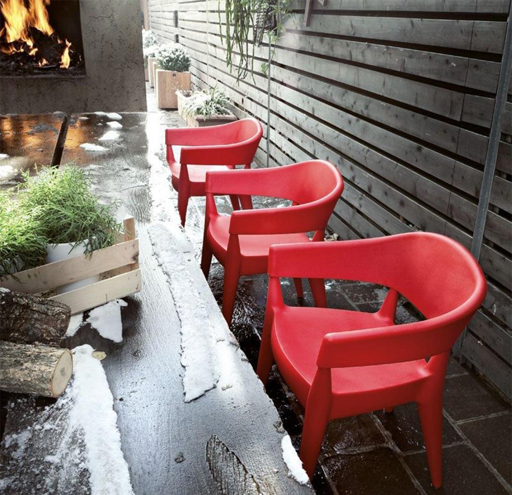 mobilier-hotel-restaurant-grands-fauteuils-resine-rouge-design-jo-alma-design