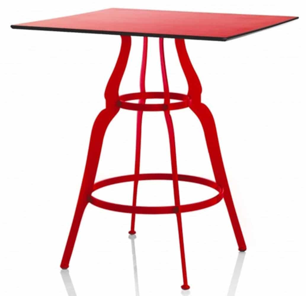 table-design-restaurant-rouge-metal-baroque-bistro-alma-design