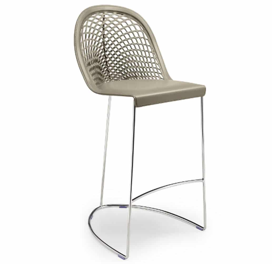 mobilier-bar-design-chaise-haute-cuir-veritable-guapa-midj