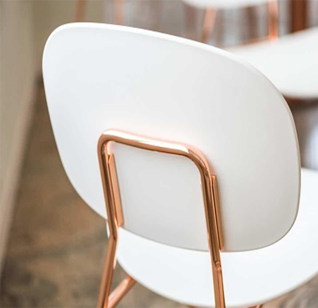 mobilier-restaurant-chaises-vintage-structure-cuivree-tondina-pop-infiniti
