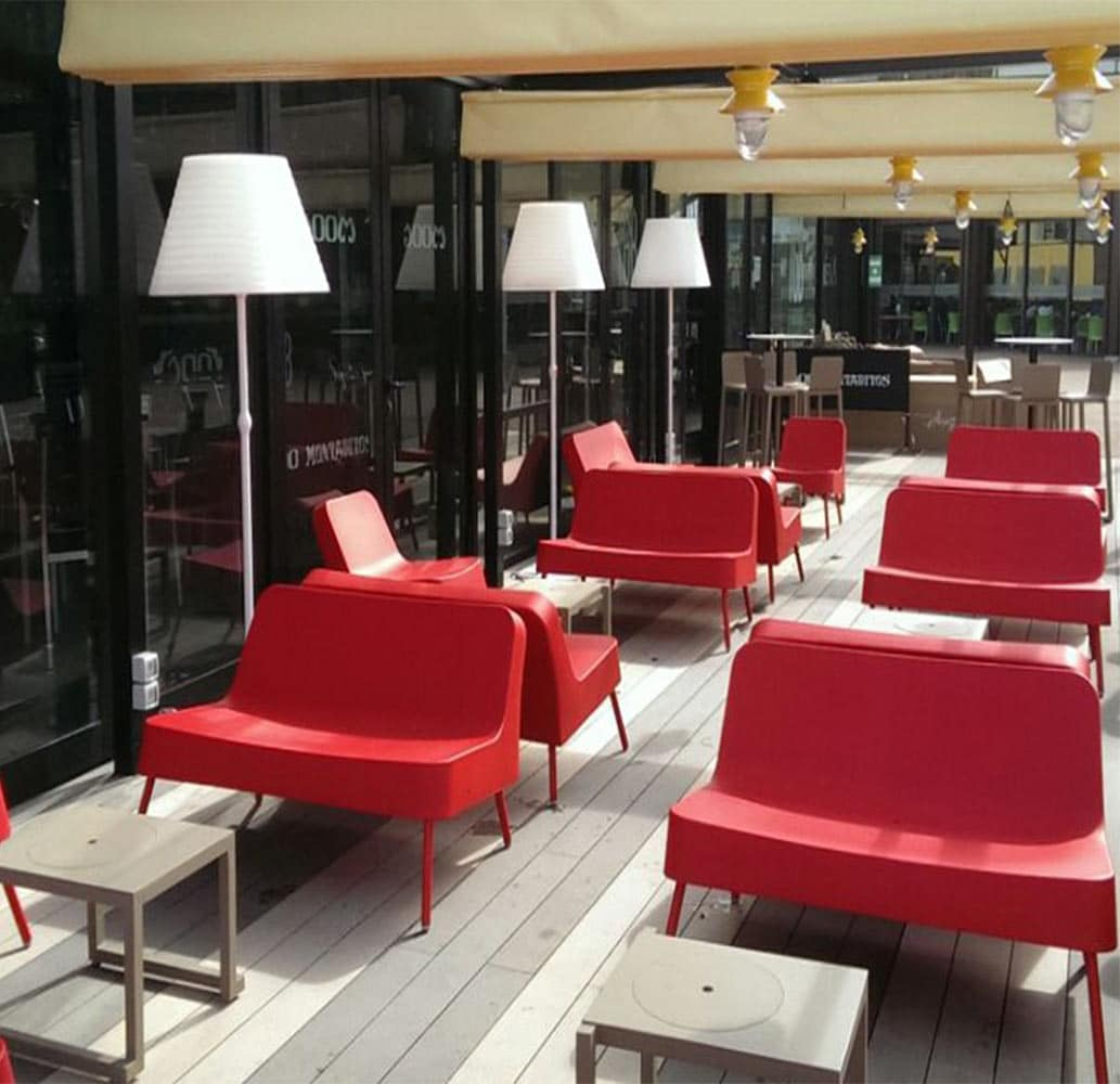 mobilier-terrasse-bar-restaurant-sofa-plastique-rouge-bob-resol