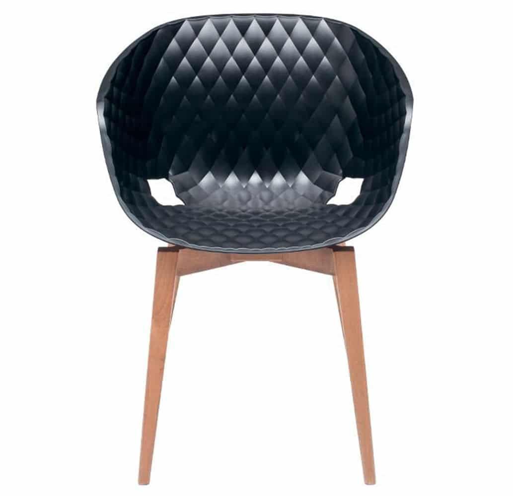 fauteuil-restaurant-design-pietement-bois-coque-noir-uni-ka-bois-et-al