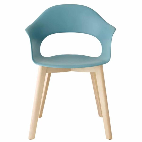 chaise-large-avec-accoudoirs-bleu-clair-pieds-bois-lady-b-scab-design