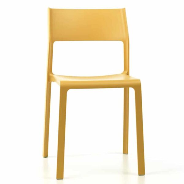 chaises-restaurant-modernes-empilables-jaunes-trill-nardi