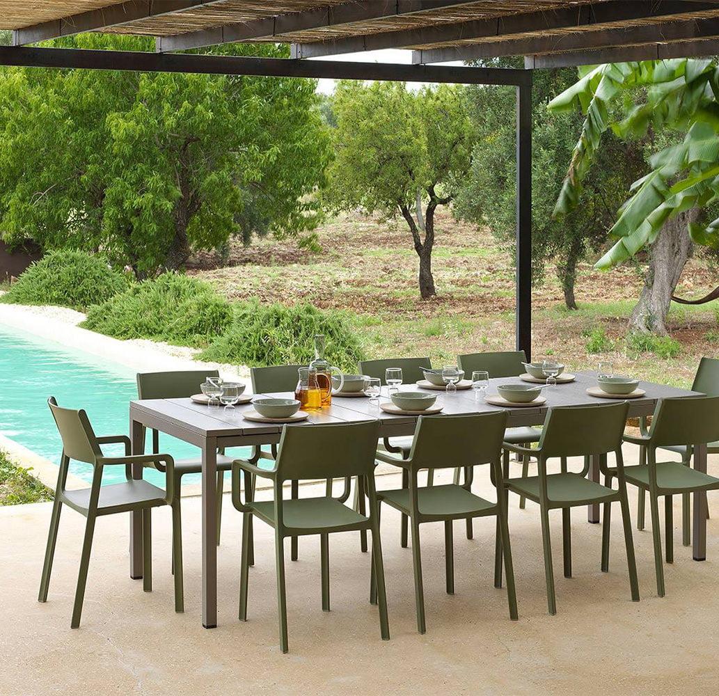 fauteuils-terrasse-bar-restaurant-empilables-trill-nardi