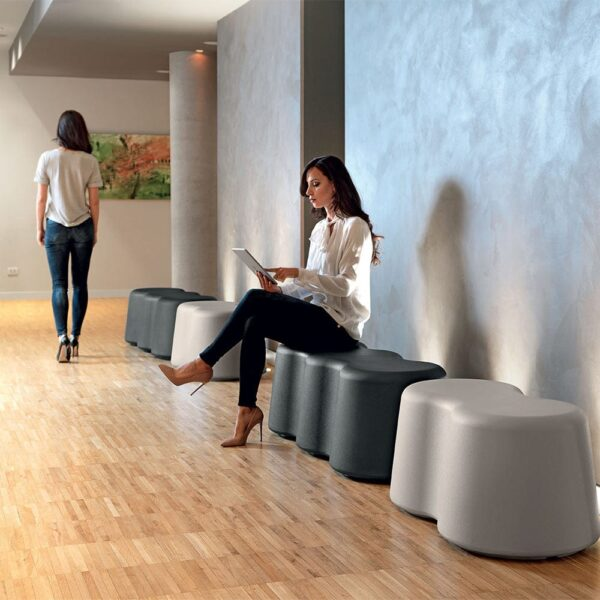 mobilier-accueil-plastique-design-banc-peants