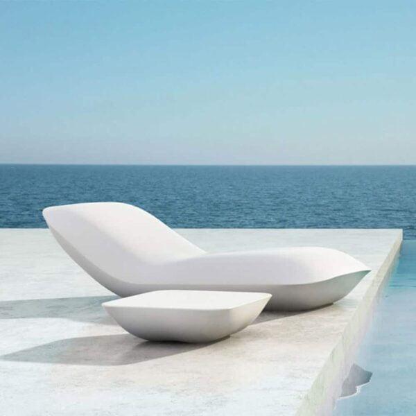 chaises-longues-design-blanches-haut-de-gamme-pillow-vondom