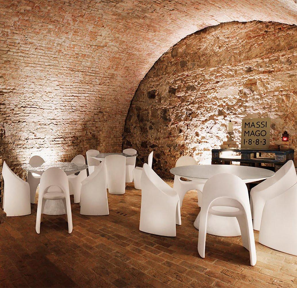 mobilier-design-plastique-monobloc-blanc-amelie