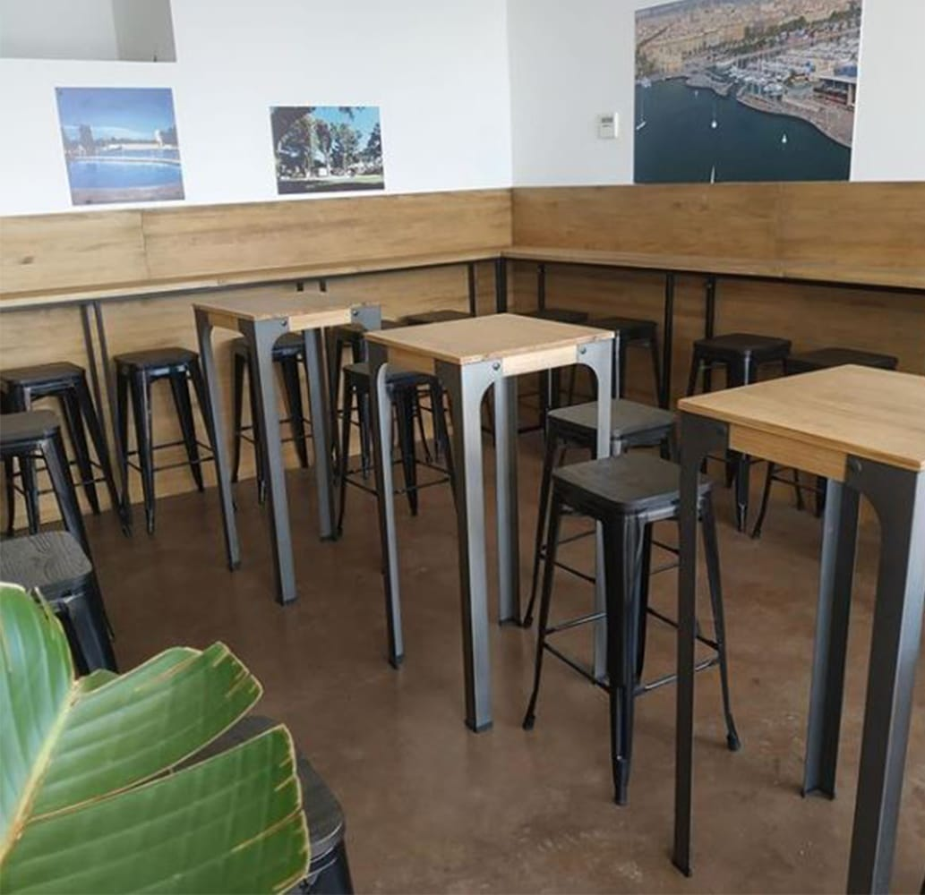 mobilier-bar-restaurant-industriel-tables-hautes-salmo