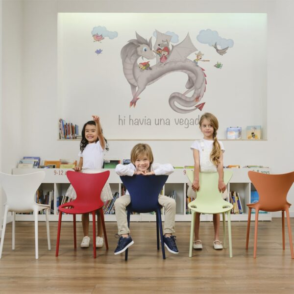 specialiste-mobilier-collectivite-enfant-chaise-love-mini-vondom
