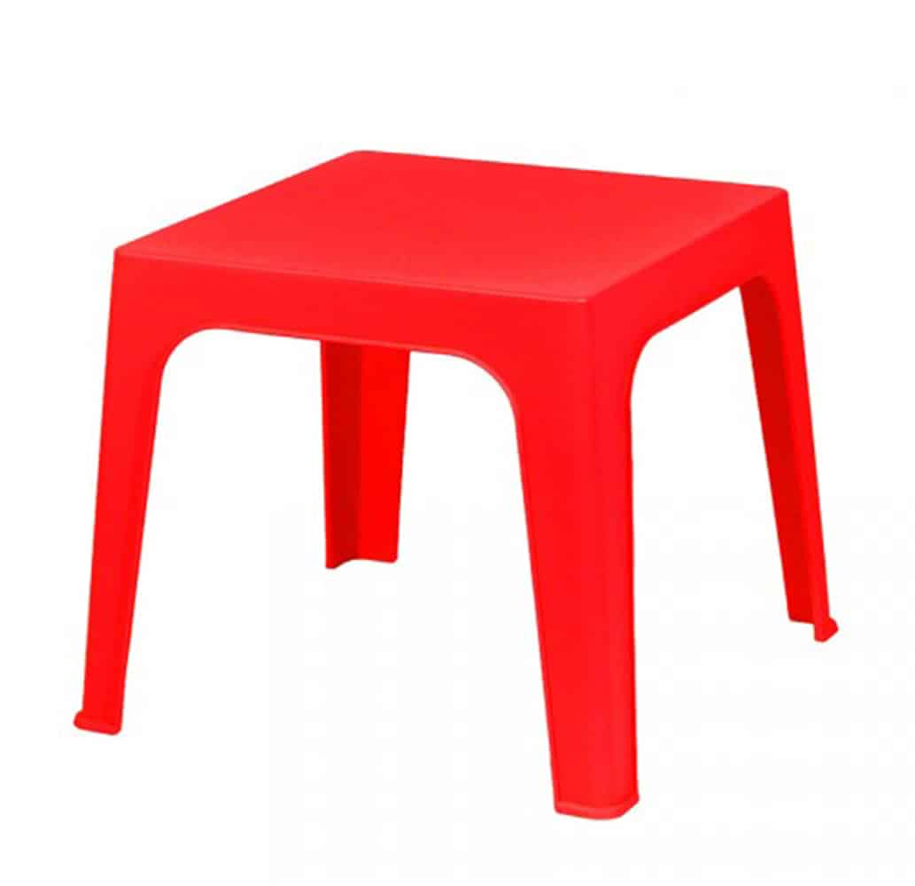 table-enfant-plastique-collectivite-julieta-rouge