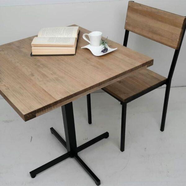 chaise-table-restaurant-bois-vieilli-industriel-vintage-cubos