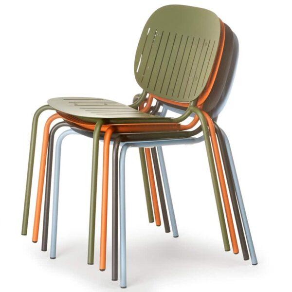 fournisseur-francais-mobilier-collectivite-chaises-empilables-code
