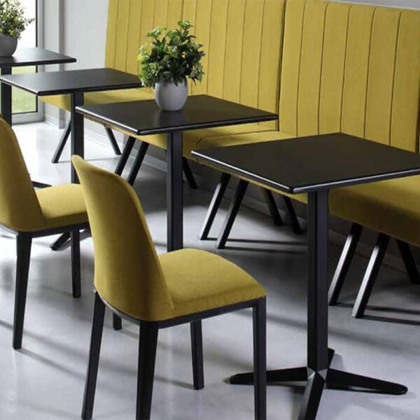 mobilier-restaurant-tables-noires-design-raky
