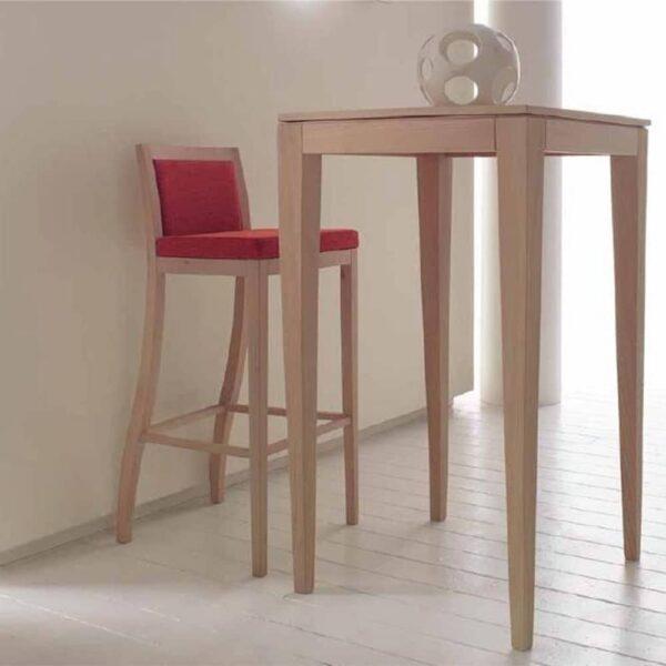 tables-restaurant-bois-clair-quatre-pieds-jail