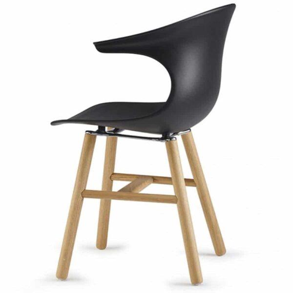 chaise-design-restaurant-coque-noire-pieds-bois-naturel-loop-retro
