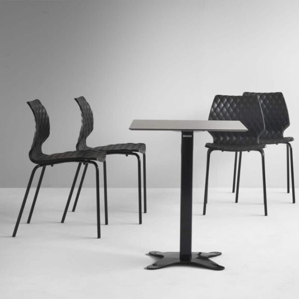 table-restaurant-noire-design-plateau-fin-exo